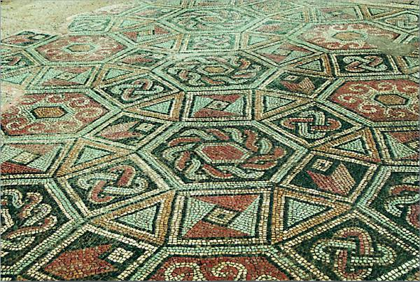 Pattern of hexagons in the mosaic floor in the south corridor