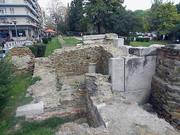 Roman tower at Syntrivani Square.